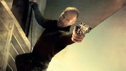 Sinopsis The Mechanic, Aksi Jason Statham Sebagai Pembunuh Bayaran