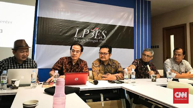 Siasat 'Giveaway' Dongkrak Opini Dukung Revisi UU KPK