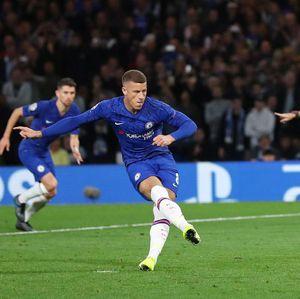 Bela Barkley, Azpilicueta: Ia Penendang Penalti Terbaik Chelsea