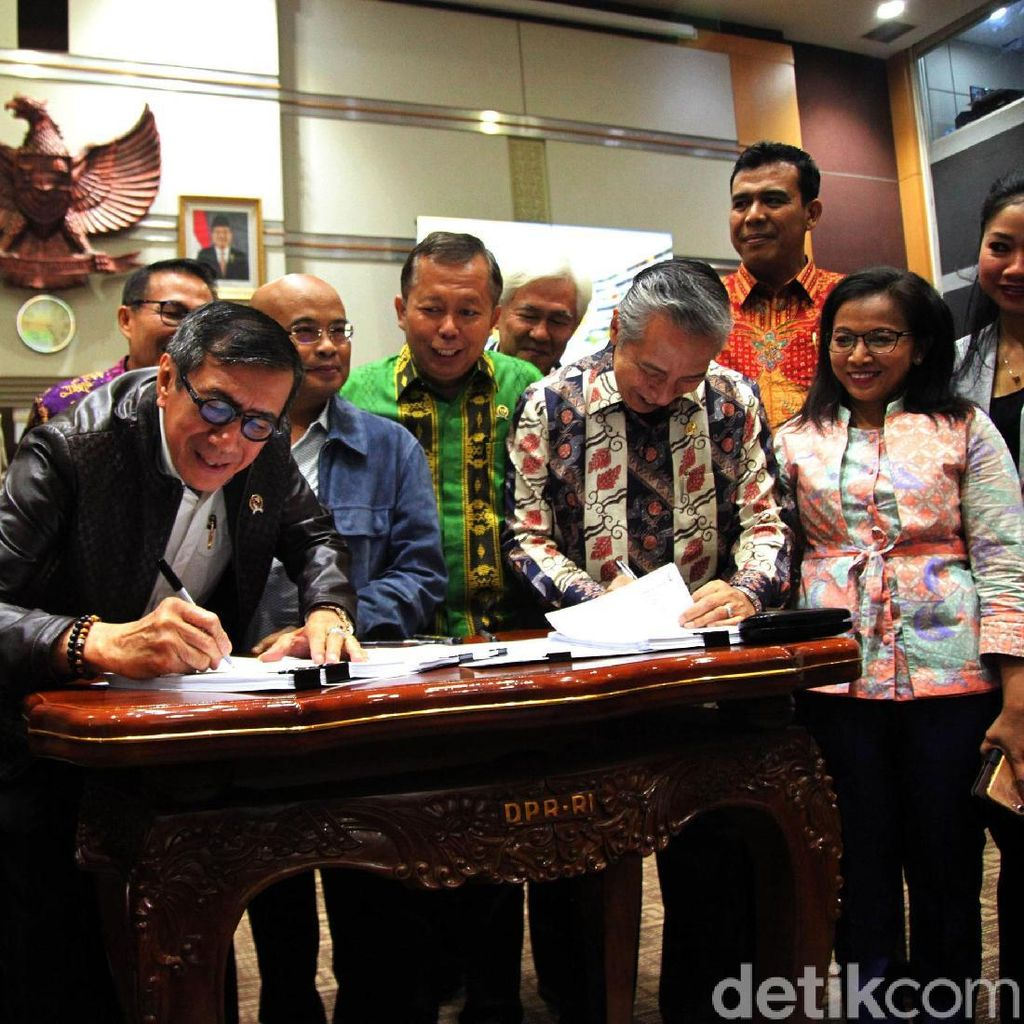 Anggota DPR Kecewa Jokowi Minta Tunda Pengesahan RKUHP: Tak Ngerti Aturan!