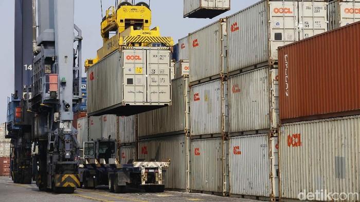 Nilai ekspor Indonesia terus mengalami penurunan. Akumulasi nilai ekspor Indonesia dari Januari-Agustus 2019 turun 8,28% dibandingkan tahun lalu.
