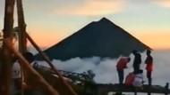 Viral, Negeri di Atas Awan Banten Vs Bukit Wolobobo Flores