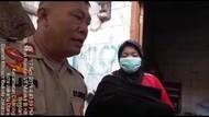 Viral Seorang Nenek Jalan Kaki Gendong Bayi yang Meninggal di Jakut