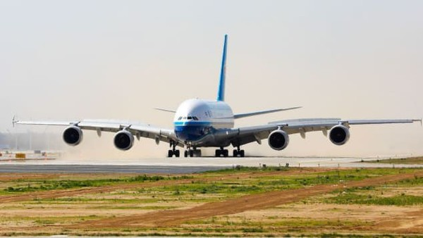 Penyewa utama bandara itu adalah China Southern dan berencana menggunakan Airbus A380, pesawat terbesar di dunia dalam penerbangan perdananya itu (CNN)