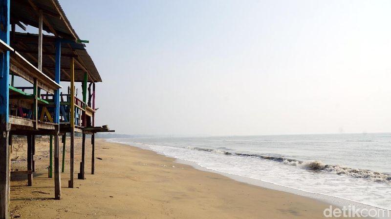 Inilah Pantai Nipah-nipah di Kabupaten Penajam Paser Utara, calon ibu kota baru. Panti ini dikenal juga dengan nama Pantai Sipakario. (Wahyu Setyo/detikcom)
