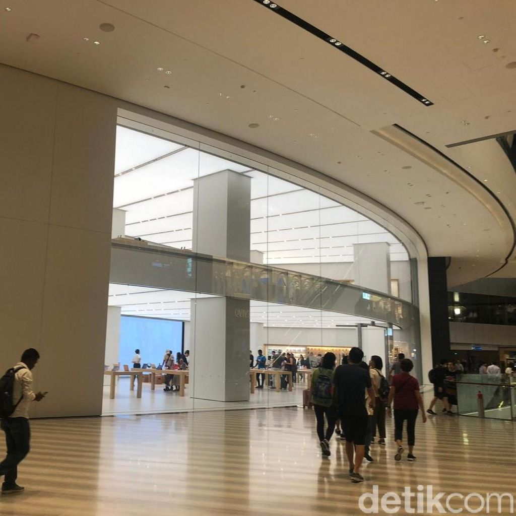 Apple Jewel Changi Tak Buka Antrean iPhone Baru