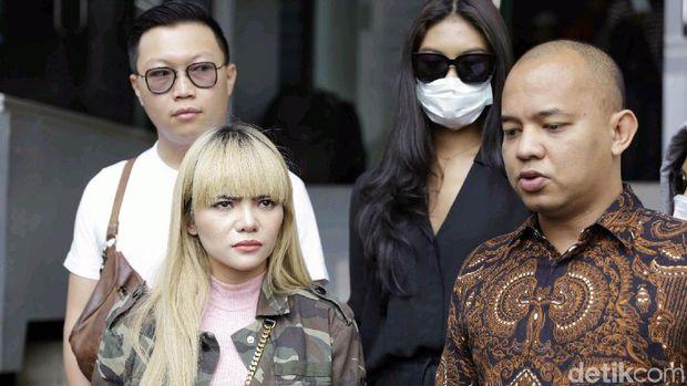 Babby Fey Sebut Ibu Sakit karena Dinar Candy, Bukan Laporan Atta