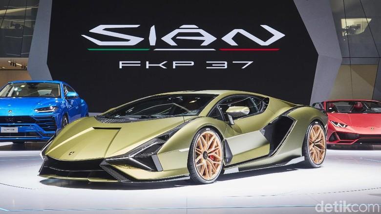 Lamborghini Sian meluncur di Frankfurt Motor Show.