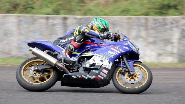 Balap motor ketahanan bertajuk Yamaha Endurance Festival 2019 berlangsung meriah di Sirkuit Sentul, Bogor. Kejuaran ini adalah balapan yang mempertarungkan ketahanan performa mesin selama 2 jam untuk masing-masing kategori yang dipertandingkan yaitu sport 155cc dan sport 250cc.