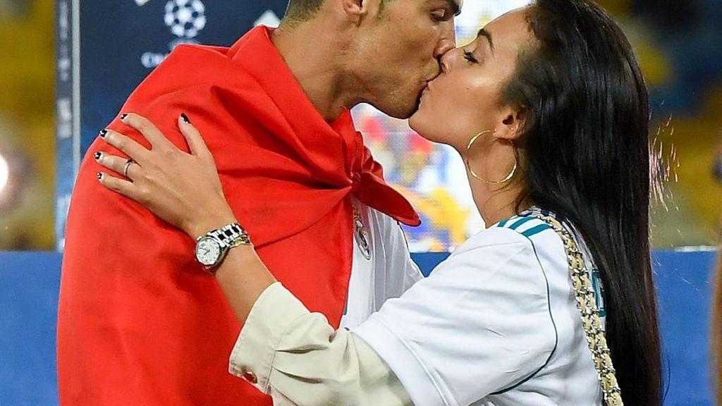 CR7: Bercinta dengan Georgina Lebih Asyik Ketimbang Gol Salto Lawan Juventus
