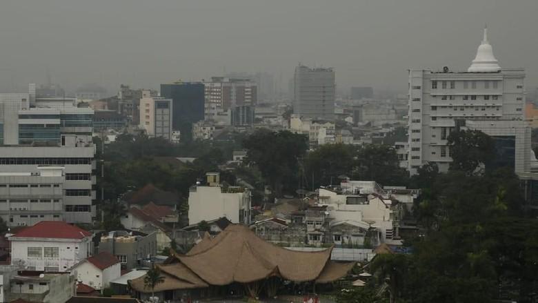 Bukan Kabut Asap, Pagi Ini Medan Berselimut Kabut