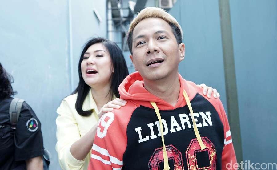 Mantul! Mesranya Delon dan Aida Chandra yang Ngaku Pasangan Pahlawan