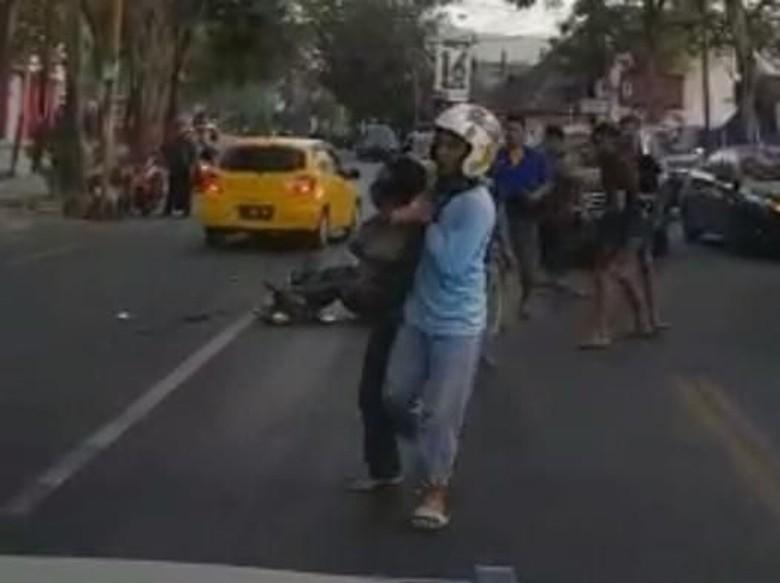 Seorang Maling Motor di Tulungagung Tertangkap Usai Tabrak Minibus