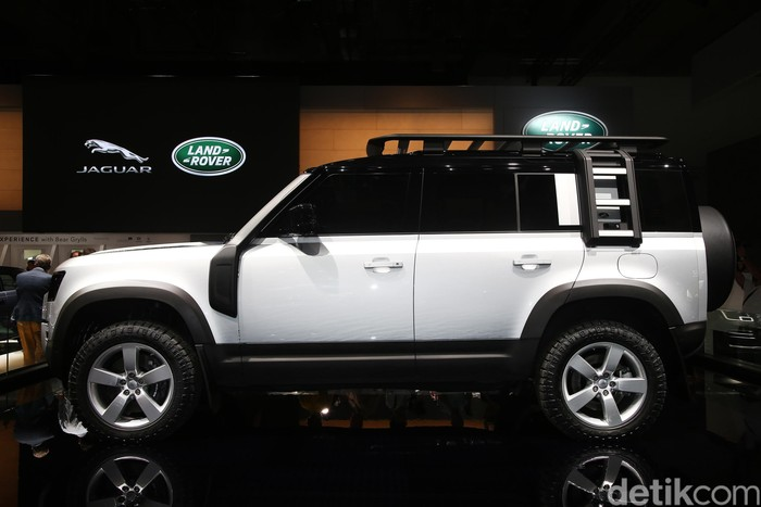 Land Rover Defender dipamerkan di Frankfurt Motor Show bulan September 2019