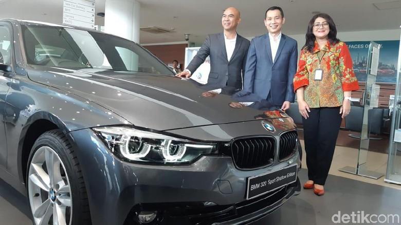 Kerja sama BRI Finance dan BMW Astra Foto: Ridwan Arifin
