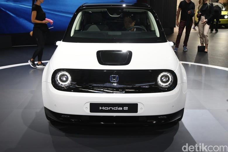 Gratis BBN Mobil Listrik di Jakarta Belum Cukup Goda Honda