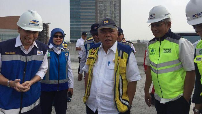 Foto: Menteri PUPR Basuki Hadimuljono Panto Tol Japek Layang (Vadhia Lidyana/detikFinance)