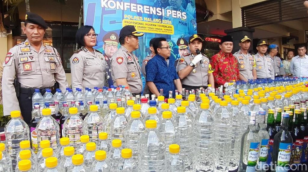 Miras Oplosan Diduga Tewaskan 4 Warga Malang, 1.280 Minuman Keras Disita