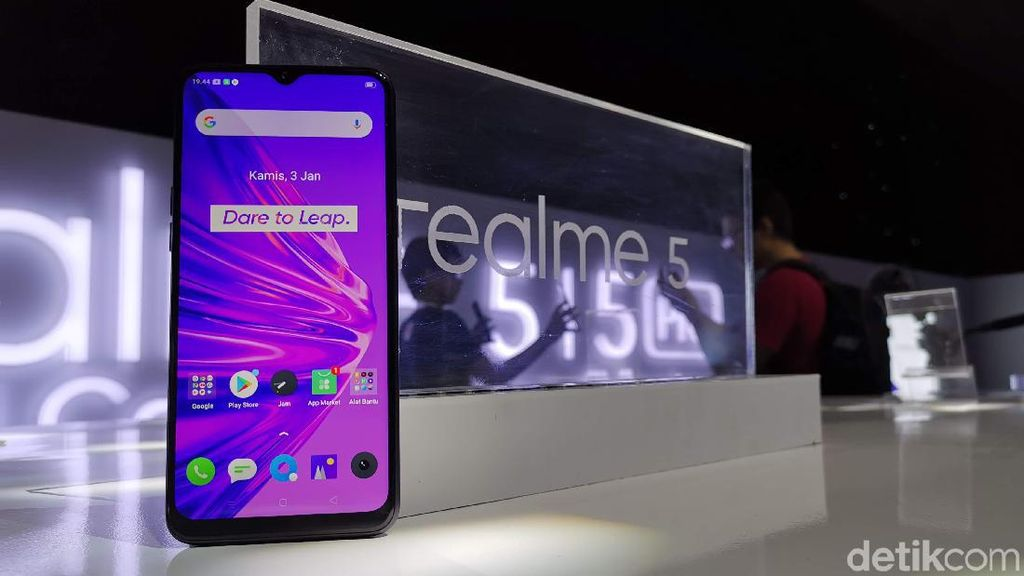 Bos Realme Tertangkap Ngetweet Pakai iPhone
