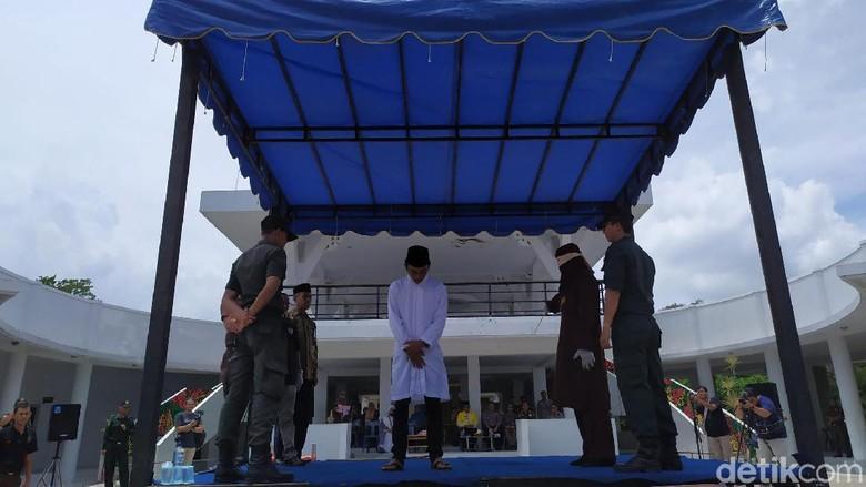 3 Pasangan Mesum di Banda Aceh Dicambuk di Lokasi Wisata
