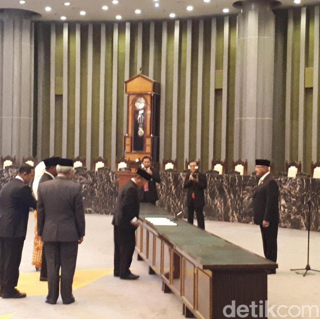 Ketua MA Tegur Para Ketua PT Baru Gegara Peniti di Toga-Kalung Jabatan