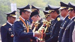 Ridwan Kamil Beri 17 Penghargaan dalam Perayaan Hari Perhubungan