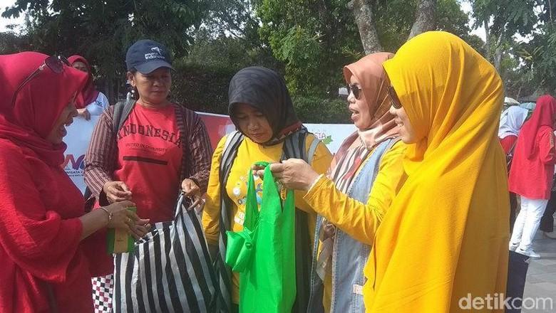Kampanye anti kantong plastik di Candi Borobudur (Eko Susanto/detikcom)