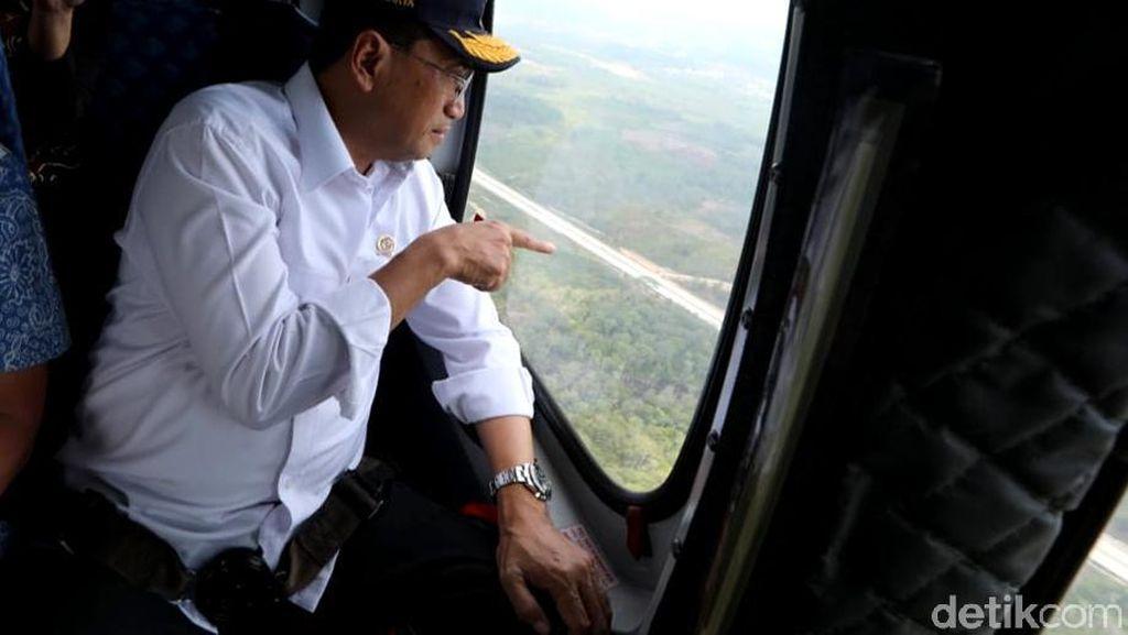 Pakai Heli, Menhub Terbang di Atas Lahan Ibu Kota Baru