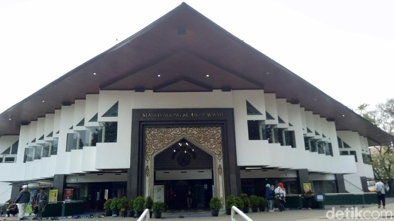 Masjid Al Ukhuwah di Bandung. (Foto: Dony Indra Ramdhan/detikcom)