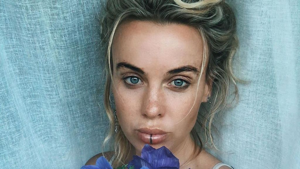 Selebgram Nangis Akunnya Dihapus Instagram Gara-gara Foto Tanpa Busana