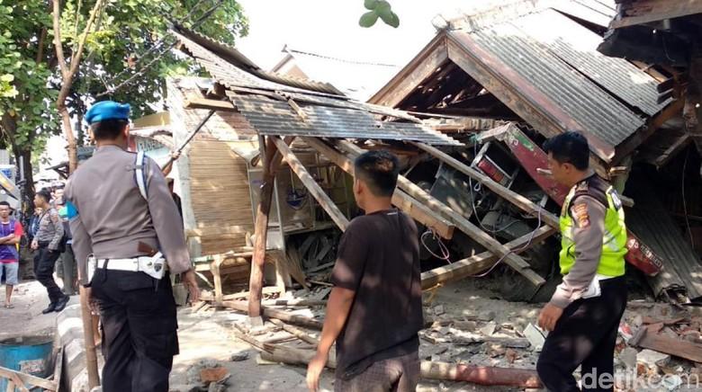 1 Korban Truk Rem Blong di Sukabumi Meninggal