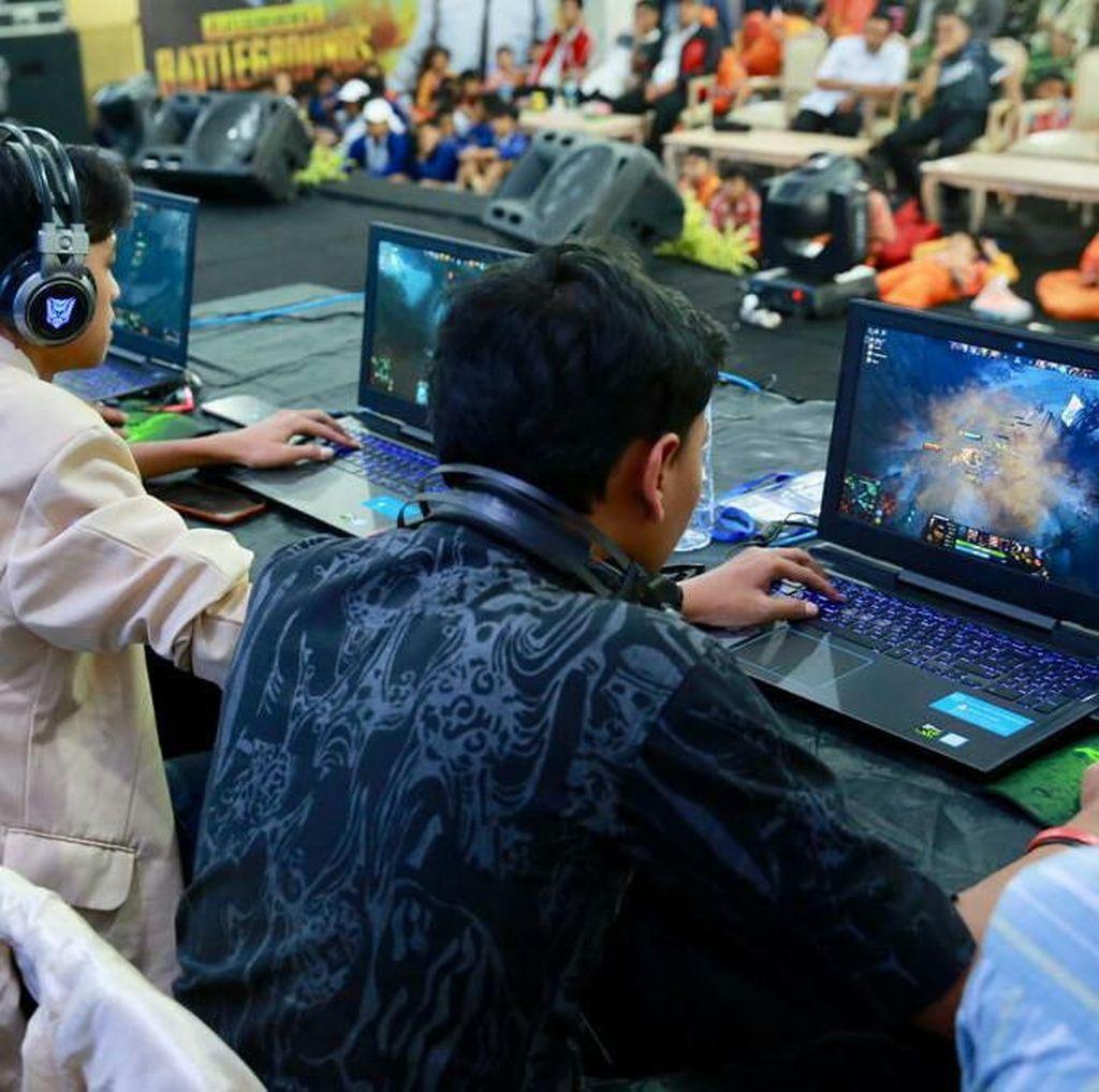 Gelar Kompetisi eSport Pertama Kali, Banyuwangi Diserbu Gamers
