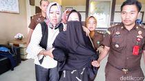 Dijebloskan Tahanan, Tersangka Korupsi Dispora Pasuruan Bernyanyi