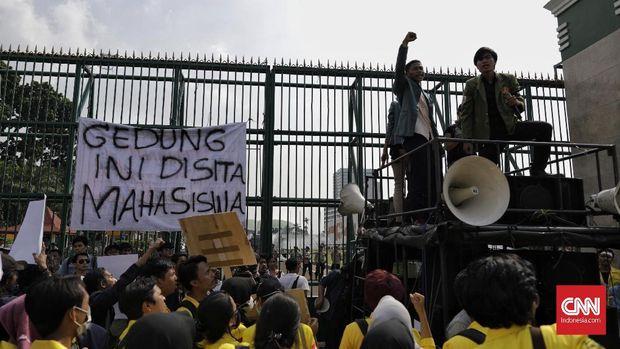 Demo Mahasiswa di Pusaran Sejarah dan Kecemasan Orang Tua