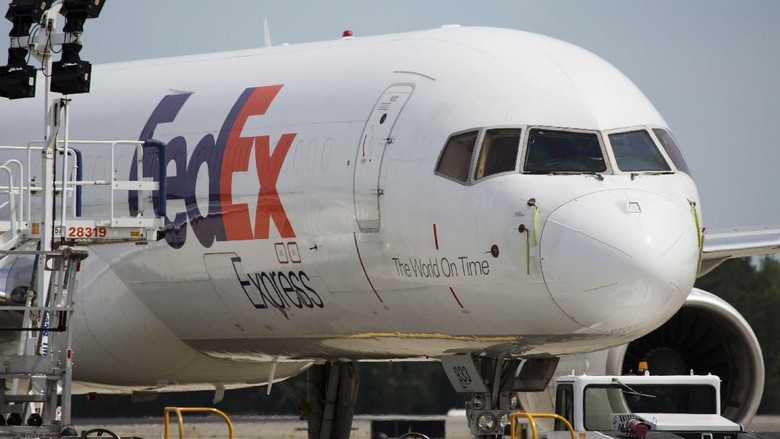 Seorang Pilot FedEx Amerika Serikat Ditangkap di China