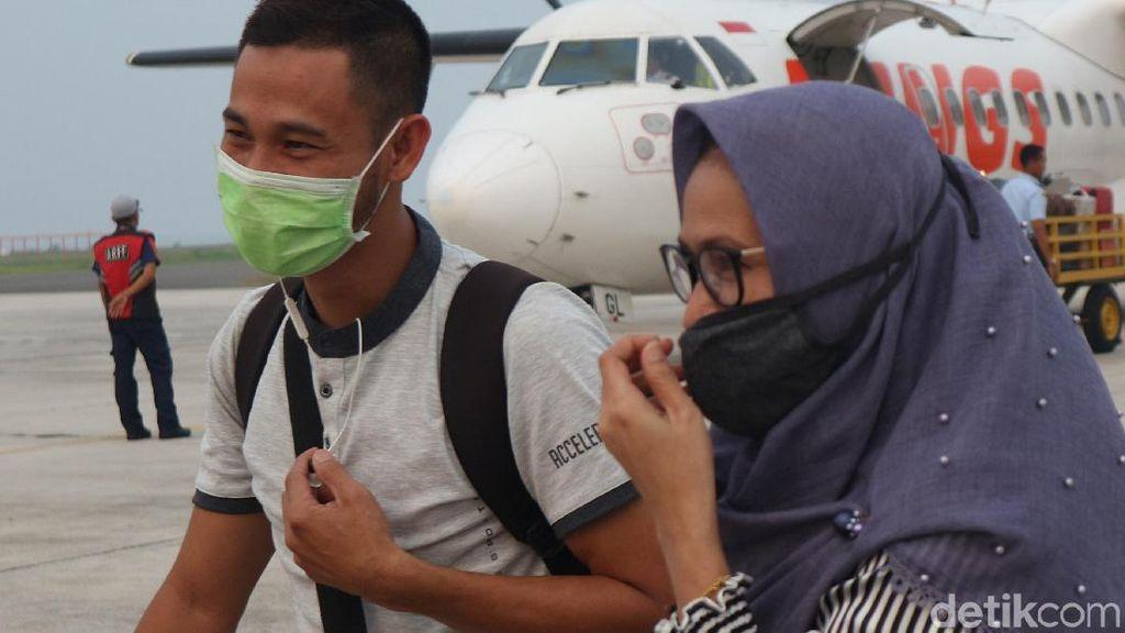 Kabut Asap Masih Tebal, Warga Palangkaraya Mulai Kehabisan Masker