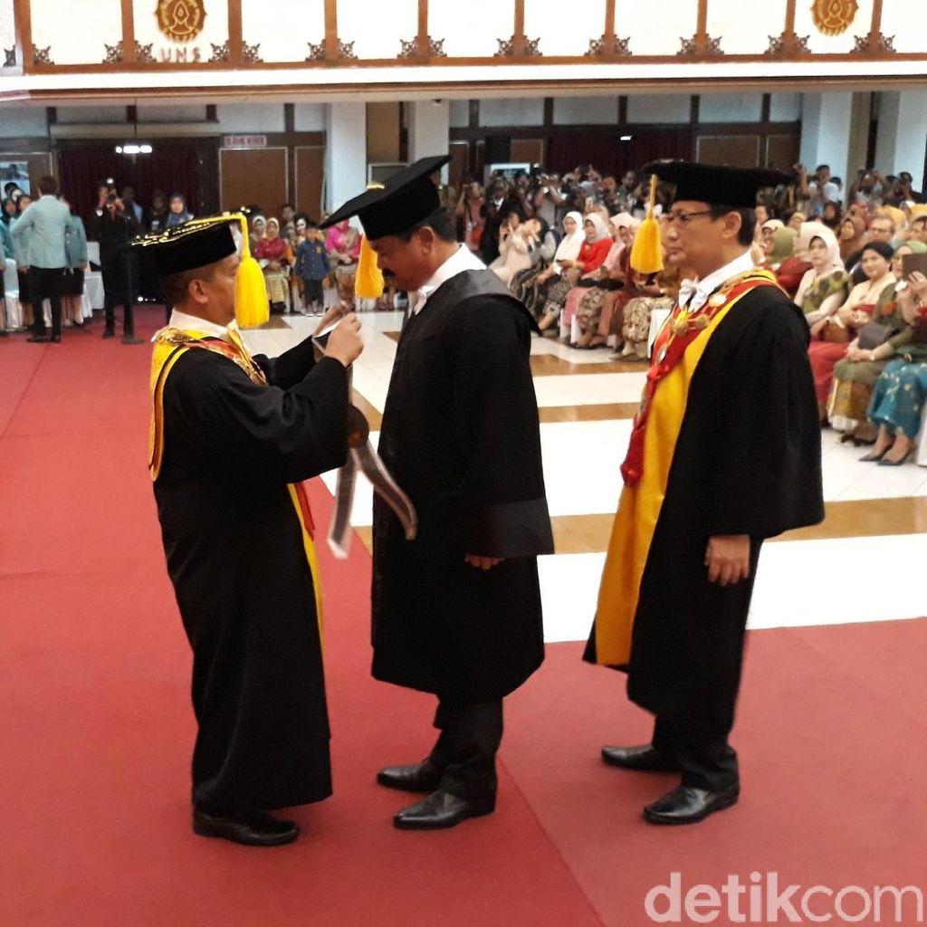 UNS Beri Gelar Doktor Honoris Causa pada Panglima TNI