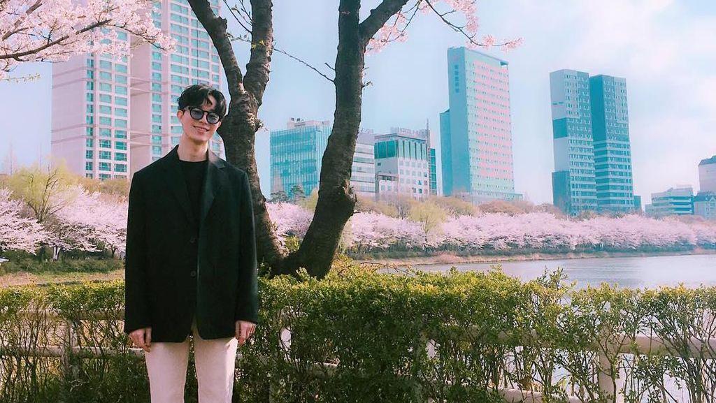 Potret Manajer Baru EXO yang Viral karena Nggak Kalah Ganteng dari Idol-nya