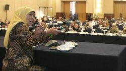 Gubernur Khofifah Paparkan Kiat Jaga Kedaulatan NKRI di Depan Anggota DPD RI