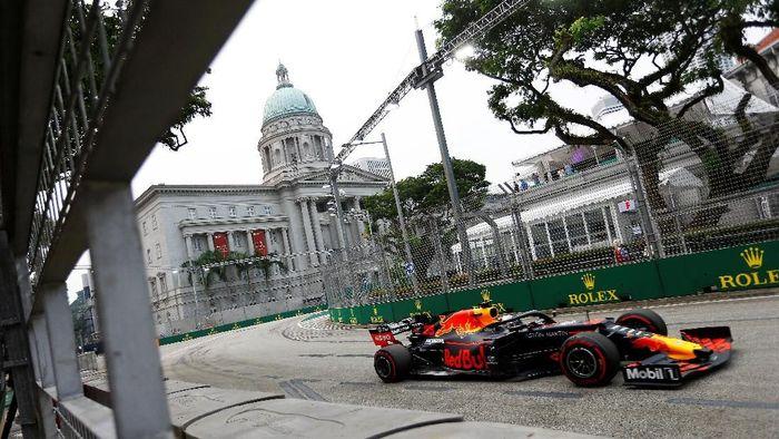 Max Verstappen tercepat di FP1 GP Singapura (REUTERS/Feline Lim)