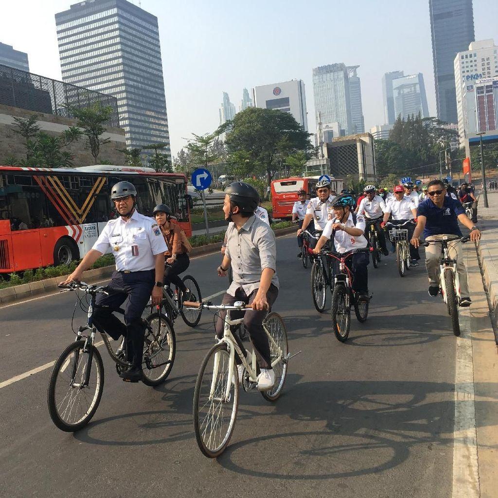 Jalur Sepeda Masih Terganggu, Anies Sebut Perlu Waktu