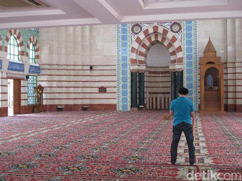 10 Masjid atau Musala dengan Mal Bersih di Jakarta