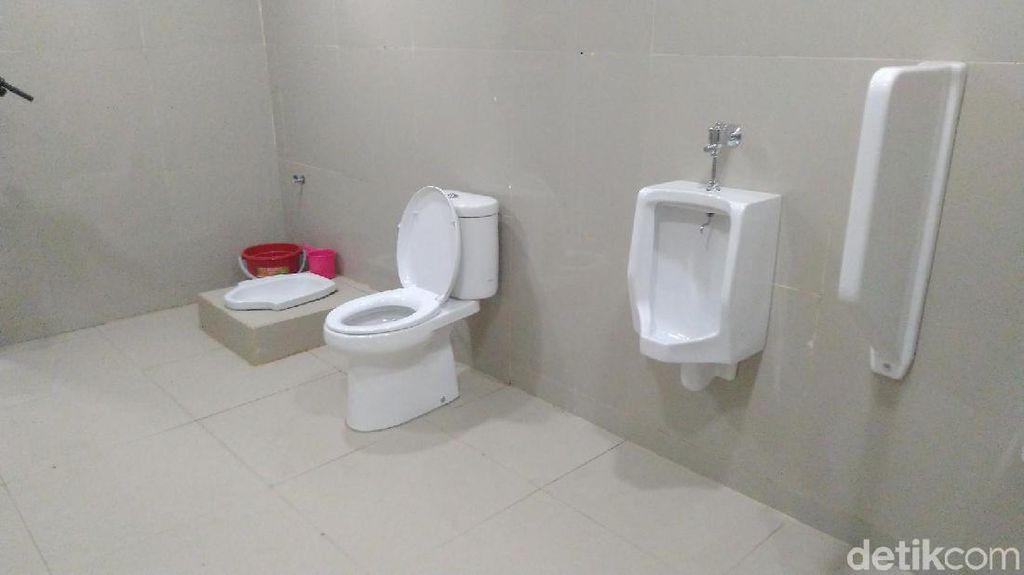 Kisah Viral Toilet Tanpa Sekat di Stasiun Ciamis
