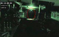 Waduh! Hantu Ini Tertangkap Kamera Sedang Ngamuk Banting Makanan
