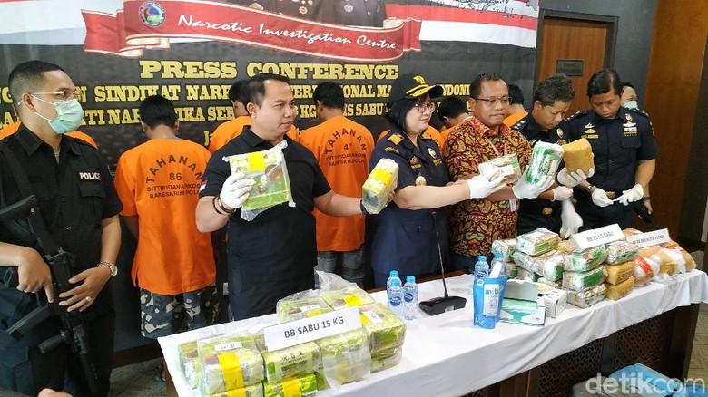 Bareskrim Gagalkan Penyeludupan Puluhan Kilogram Sabu dan Ekstasi dari Malaysia