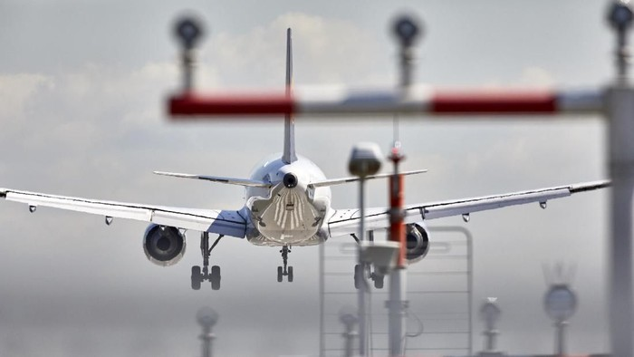 Ilustrasi Pesawat Lufthansa