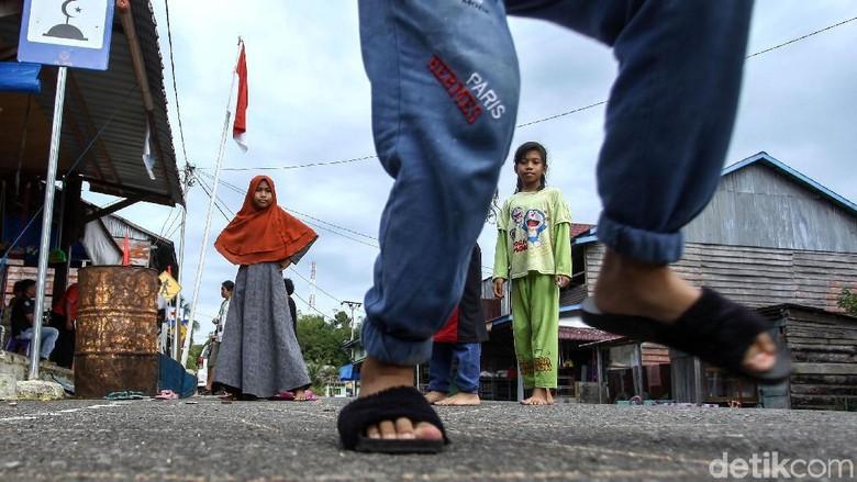 Asyiknya Anak-anak Pulau Terluar RI Bermain Permainan Tradisional