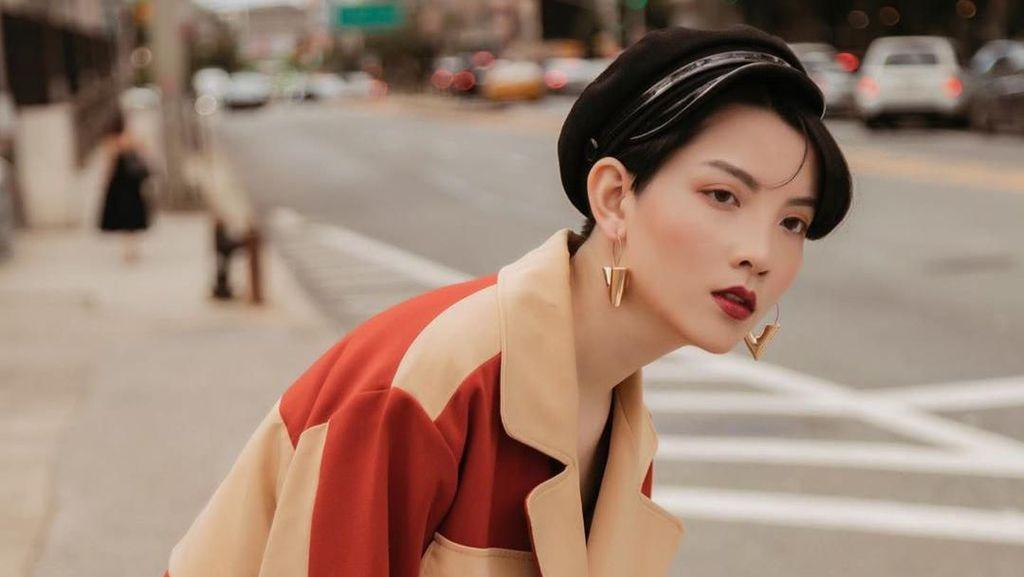 Model Cewek Ini Viral Karena Wajahnya Unik, Mirip Jungkook dan J-Hope BTS