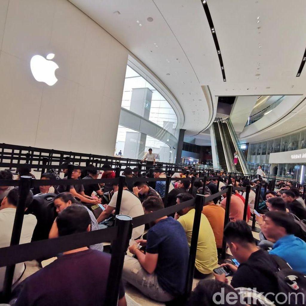 Apple Jewel Ikut Buka Antrean Pembelian iPhone 11