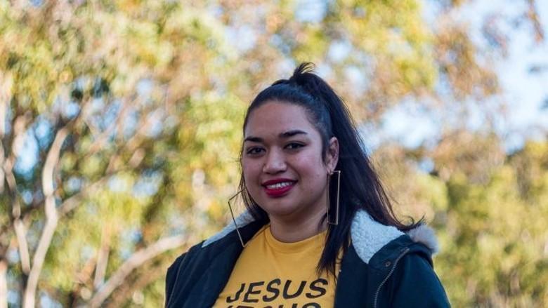 Semuanya Sihir, Pengikut Misionaris di Australia Bakar Benda Keramat Aborigin